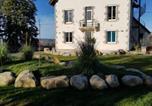 Location vacances  Cantal - Holiday home Avenue de l'Oeuvre L. Conlombant-1