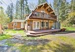 Location vacances Monroe - 'The Owl's Nest' Home with Hot Tub and Massage Chair!-2
