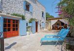 Location vacances Milna - Milna Villa Sleeps 6 Air Con Wifi-2