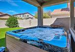 Location vacances Glendale - Private Home w/Pool, 2mi to Westgate Entertainment-1
