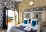 Location vacances  Lot et Garonne - Laparade Villa Sleeps 4-4