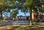 Location vacances Maryville - Five-Star Historic Boyd Harvey Carriage House-2