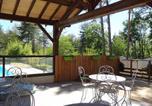 Camping avec Piscine couverte / chauffée Beaumont-du-Périgord - Camping Domaine de la Colombière-3