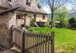 Location vacances  Cantal - Holiday Home Senezergues-1