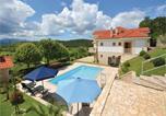 Location vacances Trilj - Holiday Home Otok with Fireplace V-2