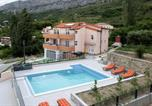 Location vacances Solin - Family friendly apartments with a swimming pool Klis, Split - 16005-1
