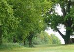 Location vacances Couffy - Gîte à l'ombre des chênes-2