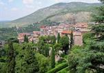Location vacances Castel Madama - Warm Apartment for 4 Persons in Tivoli Town Center-2