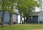 Villages vacances Williamsburg - Virginia Landing Camping Resort Cabin 2-1