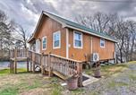 Location vacances Maryville - Little River Honey Hideaway with River Tubes!-4