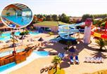 Camping 5 étoiles La Chapelle-Hermier - Capfun - Domaine les Dauphins Bleus-1