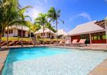 Location vacances  Martinique - Villa d'exception les pieds dans l'eau (Mqro07)-1