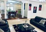 Location vacances  Sénégal - Spacious modern apartment perfect for long stays-1
