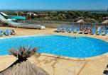 Camping avec Ambiance club Agde - Domaine Résidentiel de Plein Air La Pinède-2