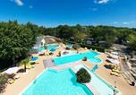 Camping avec Piscine couverte / chauffée Gastes - Camping le Bimbo - Camping Paradis-1