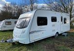 Location vacances Amersham - Stayzo Quiet Countryside setting - Caravan View With Free Wi-Fi in the Chiltern Hills-1