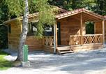 Camping avec Piscine couverte / chauffée Huanne-Montmartin - Flower Camping du Lac de la Seigneurie-2