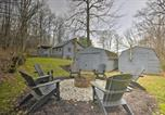 Location vacances Morgantown - Wooded Escape with Hot Tub, 2 Mi to Ski Slopes!-4