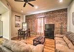 Location vacances Canton - Updated Sears Quarters Condo - Walk to Dining-1