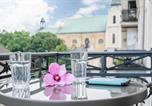 Location vacances Poznań - Apartments Poznań Garbary by Renters-4