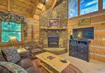 Location vacances Townsend - Townsend Cabin w/ Deck & Smoky Mountain Views-2