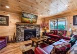 Location vacances Gatlinburg - Smoky Mountain Dream, 5 Bedroom, Pool Table, New Construction-1