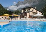 Camping avec Piscine Saint-Laurent-en-Beaumont - Rcn Belledonne-1