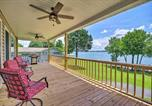 Location vacances Crossville - Lakefront Home with Deck, Prvt Boat Dock and Ramp-1