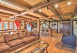Location vacances Springfield - Timeless Red Sox Retreat with Scenic Mountain Views!-2