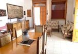Location vacances  Province de Lecce - House with 3 bedrooms in Taviano with furnished terrace 1 km from the beach-3