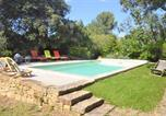 Location vacances Grans - Nice home in Grans with Outdoor swimming pool, Wifi and 3 Bedrooms-1