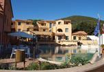 Location vacances  Province de Livourne - Residence La Pergola-4