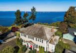 Location vacances Forks - Port Angeles Colonial Home with Waterfront Views!-1