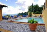 Location vacances Vicchio - House with 2 bedrooms in Gattaia with wonderful mountain view private pool enclosed garden-1