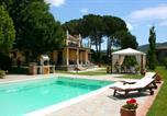 Location vacances  Province d'Arezzo - Santa Lucia Ii Villa Sleeps 14 Pool Air Con Wifi-1