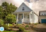 Location vacances Depoe Bay - Driftwood Four-Bedroom Home-1