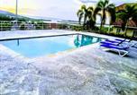 Location vacances  Jamaïque - Meharee Homestays Montego Bay-3