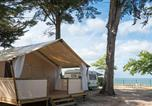 Camping avec Piscine couverte / chauffée L'Houmeau - Campéole Le Platin-1