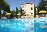 Location vacances Montefalcone Appennino - Monte Rinaldo Apartment Sleeps 6 Pool Wifi-1