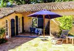Location vacances Bournel - Cozy Cottage with Private Terrcae in Montagnac-sur-Lede-1
