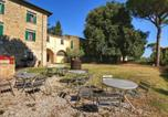 Location vacances Montefalco - Spacious Farmhouse in Gualdo Cattaneo with shared Pool-3