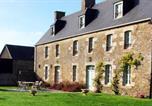 Hôtel Parigné - La Vieille Foulonnière : Chambres d'hôtes & Permaculture-1