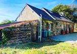 Location vacances Kermoroc'h - Maison typique bretonne à la campagne au calme-1