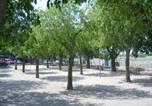 Location vacances Vic-le-Fesq - Chez Clairotte-4