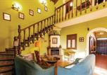 Location vacances  Séville - Amazing home in Los Palacios w/ Wifi, 5 Bedrooms and Outdoor swimming pool-2