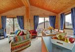 Location vacances Hartland - Scenic cottage in Woolfardisworthy with Barbecue-3
