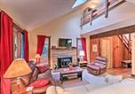 Location vacances Lake Harmony - Poconos Townhome - Walk to Big Boulder Lake!-4