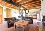Location vacances Triguères - Cosy Holiday Home in Oussoy-en-Gatinais with Library-2
