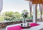 Location vacances  Province de Cagliari - Estay - Fabulous Seaside Villa in Cala Sinzias-2