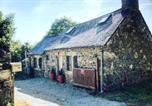Location vacances Kermoroc'h - Maison typique bretonne à la campagne au calme-4